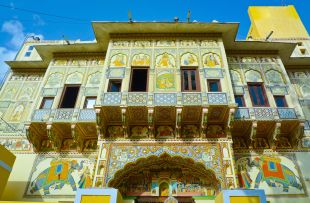 RAJ IN DEPTH DAY 9 PAINTED HAVELI, MANDAWA copy
